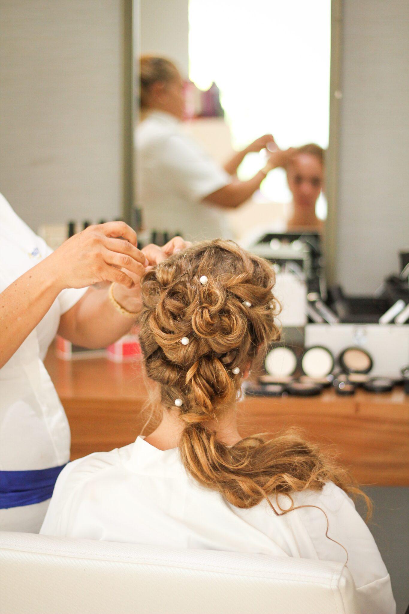 wedding hairdo in kenosha, wedding hair kenosha, kenosha wedding hair styling